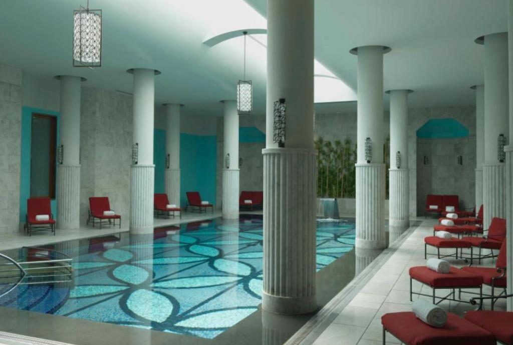 Отели Стамбула, которые имеют бассейны с подогревом